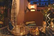 En plein centre de la Médina, tout près de la place Jemaa El Fna et du Musée de Marrakech, le Riad Aubrac vous invite à perdre la notion du temps.