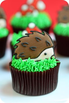 Featured on The White Library ~ Chocolate Hazelnut Hedgehog Cupcakes