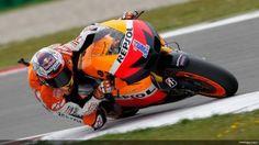 Gran Premio de Holanda MotoGP: Stoner se hace con la pole entre lloviznas | Motos y Mas