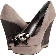 Nine West- the bow totally makes them to die for. Fab Shoes, Grey Shoes, Fashion Essentials, Shades Of Grey, Nine West, Fashion Shoes, Kicks, Bow, Wedges