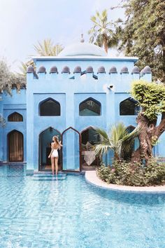 Colorful houses by the pool, Marrakech | Morocco: http://www.ohhcouture.com/2017/06/monday-update-49/ #ohhcouture #leoniehanne