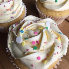 Birthday cupcakes! We are so excited to be drawing the winner to our 1st Birthday giveaway tonight!  Have you entered?  #thatgrazinglife