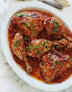 Pollo al ajillo y tomate al cocotte Grilling Recipes, Meat Recipes, Vegetarian Recipes, Chicken Recipes, Healthy Recipes, Guisado, Organic Recipes, Ethnic Recipes, Eating Vegetables