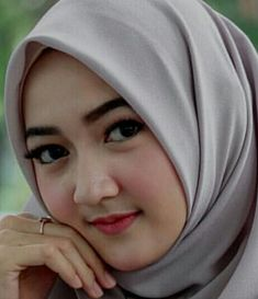 Beautiful Muslim Women, Beautiful Girl Image, Beautiful Hijab, Muslim Beauty, Hijabi Girl, Hijab Tutorial, Hijab Chic, Muslim Girls, Beauty Full Girl