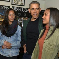 """Barack Obama Fanpage: """"Sunday  #MichelleAndBarack #Forever44 #BarackObama #MichelleObama #MaliaObama #SashaObama…"""""""