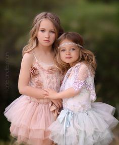 Фотография sweet sisters автор Katie Andelman Garner на 500px