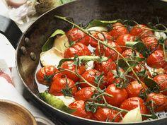 Geschmorte Kirschtomaten - smarter - Kalorien: 151 Kcal - Zeit: 10 Min.   eatsmarter.de