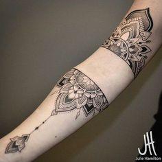 O significado da tatuagem de mandala e 20 exemplos para te inspirar | Tinta na Pele
