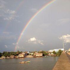 De pot met goud staat te wachten in Kampot! #kampot #cambodja #bemore #vrijwilligerswerk #rivier #regenboog #dubbeleregenboog