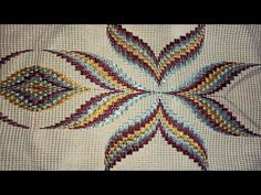 Broderie Bargello, Bargello Needlepoint, Needlepoint Canvases, Quilted Table Runners, Crochet Squares, Hand Embroidery, Rugs, Cross Stitch, Broccoli