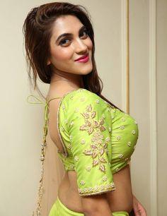 Indian Model Sita Narayan Deep Navel Hip Show In Green Saree