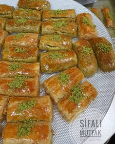 """1,423 Likes, 96 Comments - Şifalı Mutfak 🍴 (@selmabakar) on Instagram: """"Dedim size bir tadına bakıyim tarifi oyle veriyim çokta iyi yapmışım biraz şekeri fazla tarifi ona…"""""""