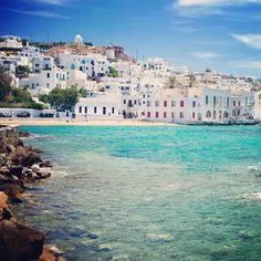 Alguém aí precisando de umas #férias para relaxar? #praia #ilhasgregas #sossego #Grécia #Míconos #mar #viagem #turismo