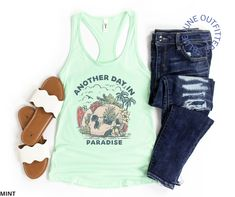 Another Day In Paradise   Women's Tropical Skull Tank Top - Solid Mint / S