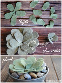 suculentas Three easy tutorials to make felt succulents - these are SO cute! Felt Flowers, Diy Flowers, Fabric Flowers, Paper Flowers, Easy Felt Crafts, Felt Diy, No Sew Crafts, Cactus Craft, Felt Succulents
