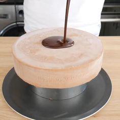 Mini Desserts, Chocolat Valrhona, Patisserie Vegan, Baked Oatmeal, Desert Recipes, Cake Recipes, Cake Decorating, Chocolate, Baking