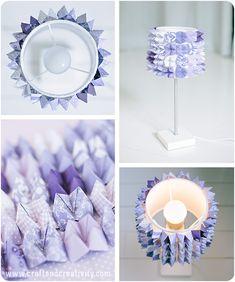 Con un po' di carta, colla a caldo e una tecnica origami si può dare carattere a una banale lampada. L'autrice è Helena di CraftAndCreativity.com.