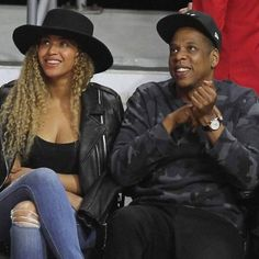 """JAY-Z convinced Beyonce to feature on Eminem's new track https://tmbw.news/jay-z-convinced-beyonce-to-feature-on-eminems-new-track  JAY-Z convinced his wife Beyonce to collaborate with Eminem on his new track Walk on Water.The single is the first song from the Lose Yourself hitmaker's rumoured new album, which is reportedly called Revival.It was released on Friday (10Nov17), just days after Eminem teased the song by writing """"Walk on Water"""" on a fake prescription card and sharing it…"""