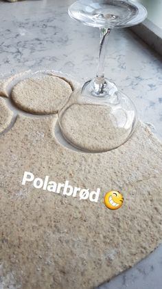 Oppskrift på polarbrød! Hvorfor har leg aldri tenkt på å bake dem? Veggie Recipes, Baby Food Recipes, Fall Recipes, Baking Recipes, Yummy Drinks, Yummy Food, Norwegian Food, Fabulous Foods, Bread Baking
