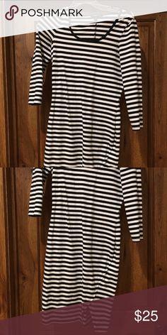 Express bodycon dress Black and white stripe bodycon dress Express Dresses Long Sleeve