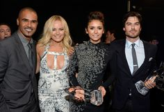 Ian Somerhalder and Nina Dobrev»Photostream · Pictures · Backstage and Audience at the People's Choice Awards