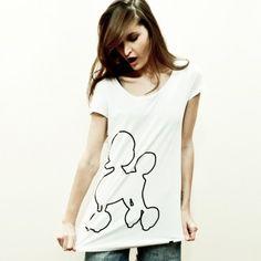 T-shirt długi i wąski - dobrze wygląda jako ovesize.  100% bawełna.