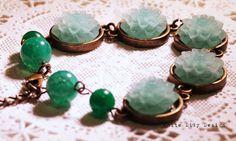Light green flower bracelet