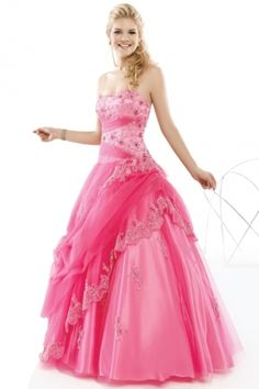 Vintage-looking ballgown. Imagine in a pale green. Love