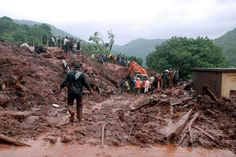 Landslide in Pune, India: Rescuers battle rain during recovery effort