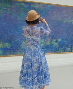 Major Monet fan? PhotographerStefan Draschan captures images of people matching artwork...