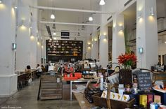 Jones the Grocer has emerged as an efficient, successful business and one of the best places to meet someone for a nice coffee meeting or casual lunch.