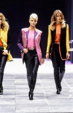 Linda Evangelista, Claudia Schiffer, Versace Fall 1991 Ready-to-Wear Collection Photos - Vogue