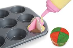 Use our Bakelicious Cupcake Dividers to create festive cupcake for the holidays!