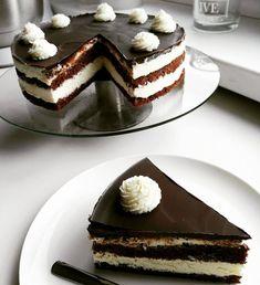 🐰 Velikonoční edice 🐣: Perníčky plněné povidly (hned měkké) Chocolate Velvet Cake, Cakepops, Tiramisu, Cheesecake, Make It Yourself, Cupcakes, Ethnic Recipes, Food, Youtube