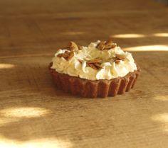 Maple Pumpkin Pie, Wholemeal Spelt Crust http://thelittleloaf.wordpress.com #baking /pie #pumpkin #pastry