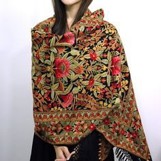 Hand Embroidery Aari Hand Embroidery - Pashmina and Cashmere Shawls, Hand Embroidery Shawls, Cashmere Shawls, Shawls,… Pakistani Dresses, Indian Dresses, Indian Outfits, Estilo Hippie Chic, Hippy Chic, Outfit Online, Kashmiri Shawls, Indian Embroidery, Hand Embroidery
