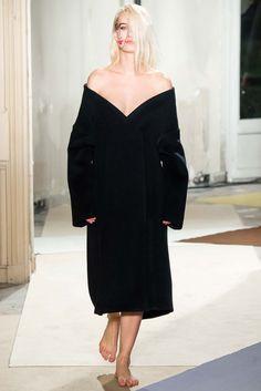 Jacquemus Fall 2015 Ready-to-Wear Collection Photos - Vogue Fashion Week Paris, Runway Fashion, Fashion Show, Womens Fashion, Fashion Design, Street Fashion, Jacquemus, Vogue, Fall 2015