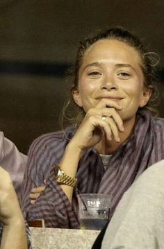 Olsens Anonymous Blog Mary Kate Olsen Close Up Purple Striped Scarf Smile Ring Gold Watch US Open photo Olsens-Anonymous-Blog-Mary-Kate-Olsen-Close-Up-Purple-Striped-Scarf-Smile-Ring-Gold-Watch-US-Open.jpg