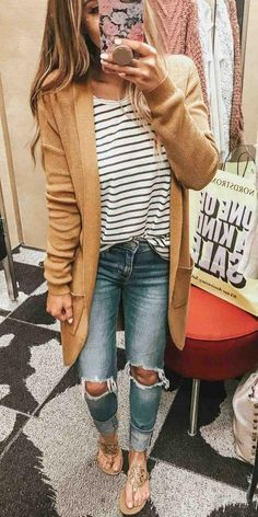 Perfect Affordable Fall Outfits from Nordstrom. Tan mustard chunky knit card… Perfect Affordable Fall Outfits from Nordstrom. Tan mustard chunky knit cardigan sweater, striped t-shirt, distressed jeans, Tory Burch flip flop sandals. 30 Outfits, Outfits Damen, Casual Fall Outfits, Mode Outfits, Fall Winter Outfits, Spring Outfits, Fashion Outfits, Womens Fashion, Dress Casual