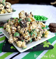 Mint Fudge Popcorn | 18 Popcorn Recipes For Your Next Netflix Marathon