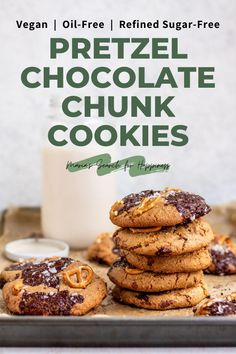 These Oil-Free Pretzel Chocolate Chunk Cookies are the perfect treat to satisfy your salty, sweet cravings. This recipe is vegan, oil-free, and refined sugar-free. #vegandessert #vegantreats #vegancookies #oilfreecookies #oilfreevegan #refinedsugarfree #refinedsugarfreevegan #vegansweets Vegan Baking Recipes, Healthy Vegan Desserts, Healthy Cookie Recipes, Peanut Butter Recipes, Vegan Dessert Recipes, Vegan Treats, Delicious Vegan Recipes, Vegan Snacks, Vegan Food