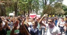 Estudantes protestam na Esplanada contra reforma da educação Fora Temer fora 15 Eleições Já http://charqueadashistoria.blogspot.com.br/2016/10/emancipacao-de-charqueadas-entrevistado.html