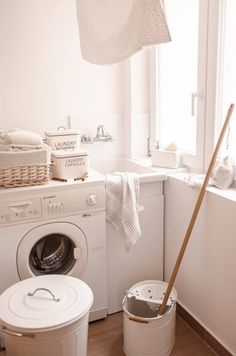 Zona Lavandería Washing Machine, Laundry, Home Appliances, Rustic Style, Closed Doors, Organize, Quartos, Space, House Decorations
