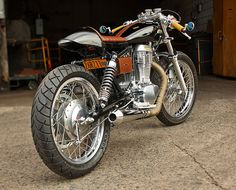 Build a cafe racer, scrambler, street tracker, and hardtail bobber with basic tools and skills. The custom motorcycle kits include all parts and require no welding. Sportster Cafe Racer, Suzuki Cafe Racer, Norton Cafe Racer, Cafe Racer Motorcycle, Cafe Moto, Cafe Bike, Cafe Racer Bikes, Cafe Racers, Vintage Cafe Racer