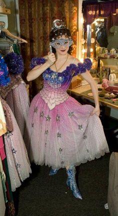 Phantom of the Opera - Christine- Masquerade costume. Oh it's so pretty!