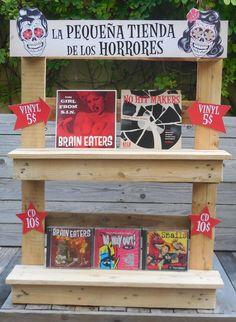 Pallet Shelf For R'N'R Merchandise #PalletShelf, #RecycledPallet