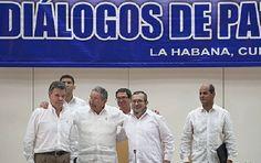 Las FARC se niega a concentrarse, a la espera de la amnistía en #Colombia  en la foto Juan Manuel Santos con Raul Castro y Timochenko