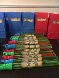 Geschenk Geburt - Lego Ninjago Party Favours / Gift Bags / Ninja Bubble sword Source by besteheschenkdiy bags Karate Birthday, Ninja Birthday Parties, Boy Birthday, Lego Parties, 5th Birthday Ideas For Boys, Ninja Birthday Cake, Cake Lego, Lego Ninjago Cake, Ninja Lego Cake