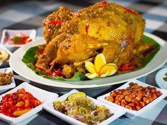 Warung Nyoman Bedugul is one of crowded food stalls in Bedugul.