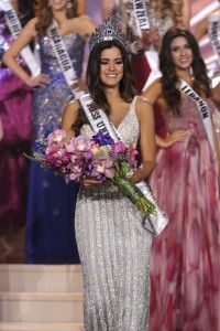 Paulina Vega coronada con Miss Universo 2015 #MissUniverso2014 #MissUniverso2015 #MissUniverse #PaulinaVega #MissEspaña